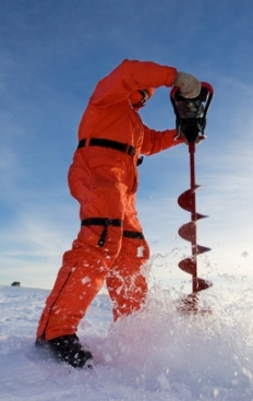 ice fishing augers, hand ice augers, power ice augers